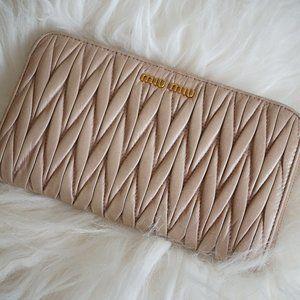 Miu Miu matelassé wallet - Calf Leather